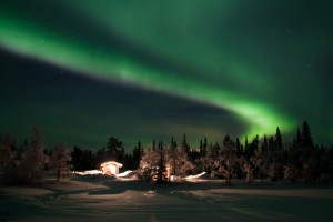 http://riavesti.com/wp-content/uploads/2016/01/Северное-сияние-в-Кируне-—-самом-северном-городе-Швеции.jpg