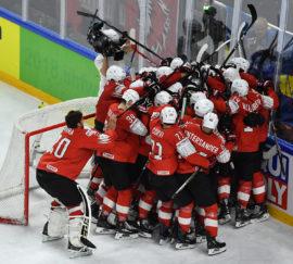 Сборная Швейцарии по хоккею победила команду Канады и вышла в финал чемпионата мира