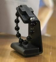 Католическая церковь представила умные чётки eRosary