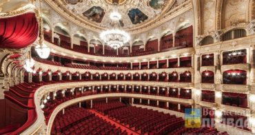 Толстой не исключил возврата театров к заполняемости в 50%