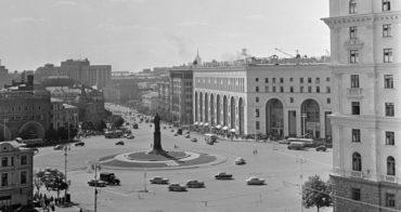 В Москве началось голосование о памятнике на Лубянке